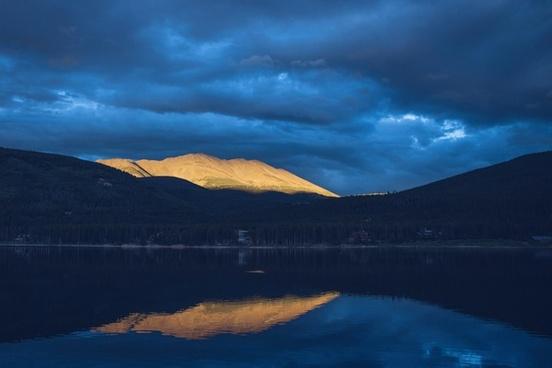 dawn evening island lake landscape morning mountain