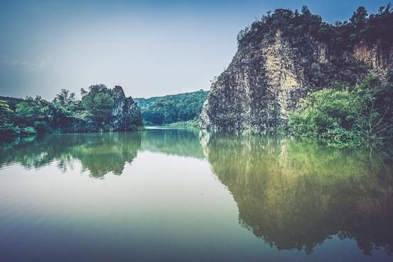 daytime forest idyllic lake landscape mirror nature