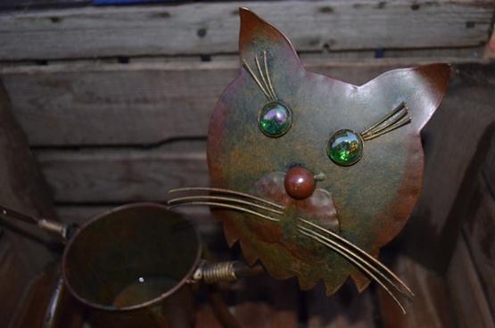 decorative iron cat