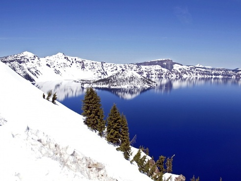 deep blue crater lake oregon
