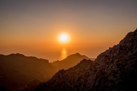 desert dusk evening landscape light moon morning