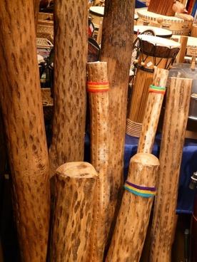 didgeridoo musical instrument overtone-rich