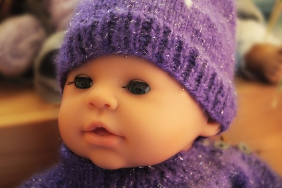 doll face eyes