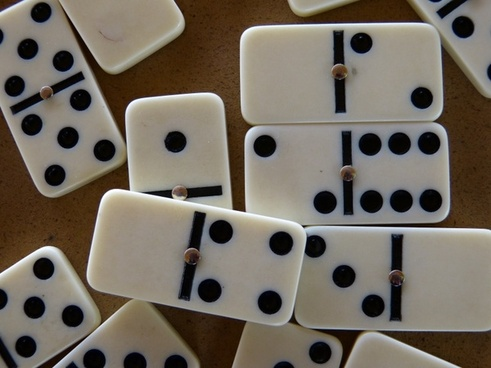 domino stones dominoes