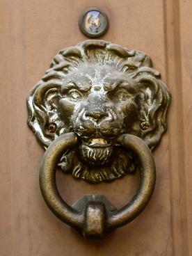 door knocker lion head vintage