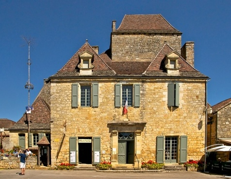 dordogne france town hall