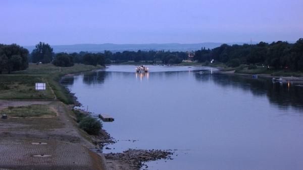 dresden elbe river