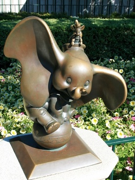 dumbo and timothy bronze sculpture