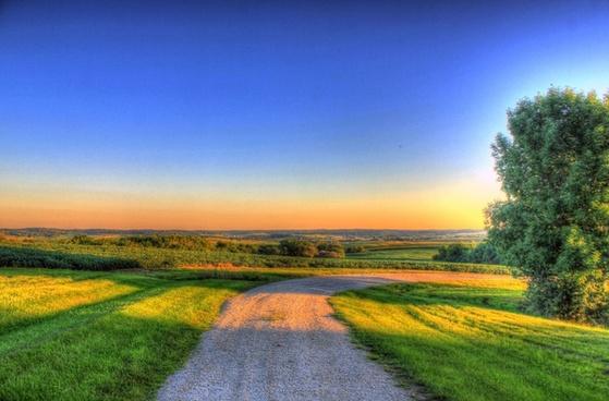 dusk to the horizon at charles mound illinois