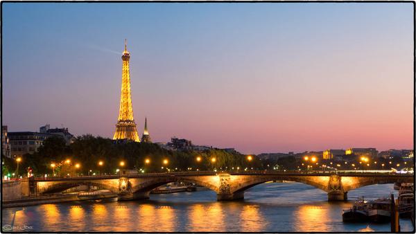 eiffel tower sunset par is