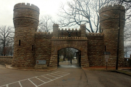 entrance to the point at lookout mountain tennessee