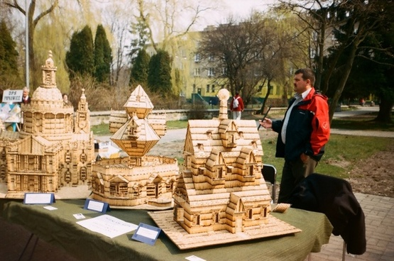 exhibition of matchsticks houses