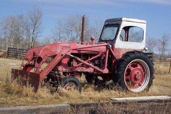 farm tractor 1940 antique