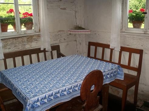 farmhouse table chair