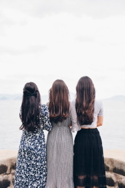 beautiful long hair women