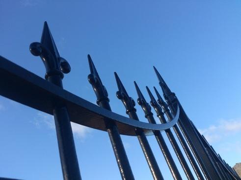 fences iron pattern