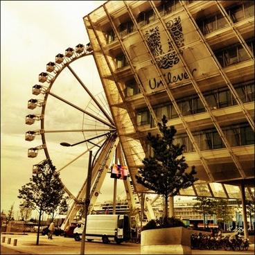 ferris wheel harbour city hamburg