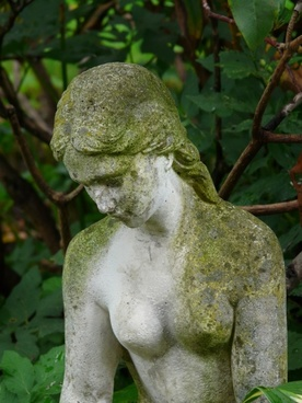 fig stone figure madonna
