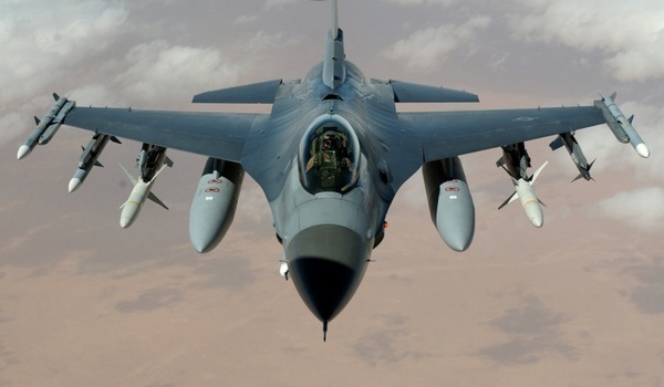 fighter jet fighter aircraft f-16 falcon