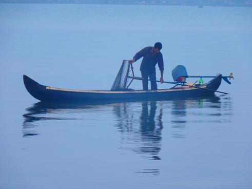 fischer boot catch fish