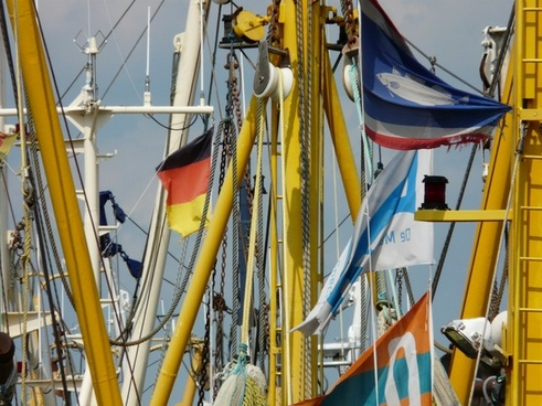 fishing boats details masts