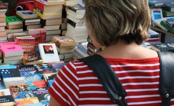 flea market books box