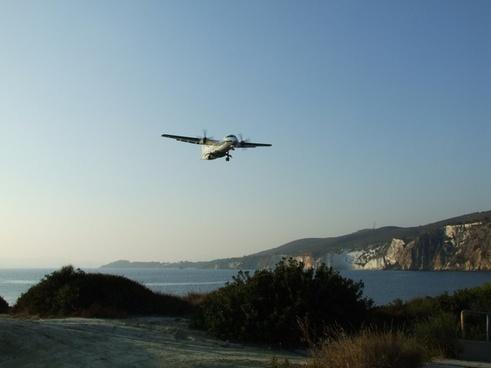 flight landing passenger aircraft