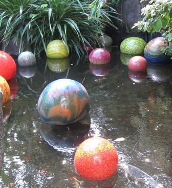 floating balls in japanese pond