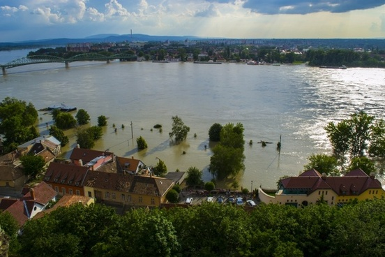 flood danube sandbag