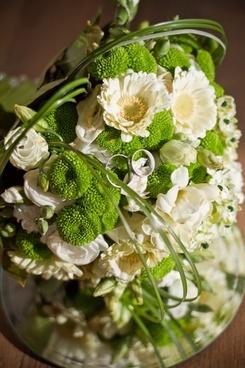 flora bouquet groom