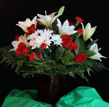 flower vase bouquet arrangement