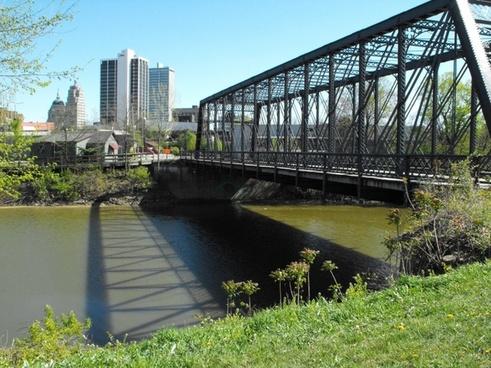 foot bridge into city