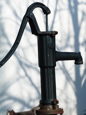 fountain hand wells court pump