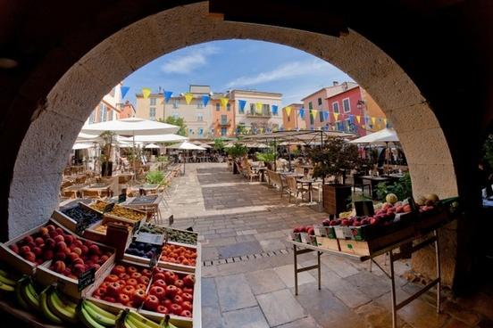 france market plaza