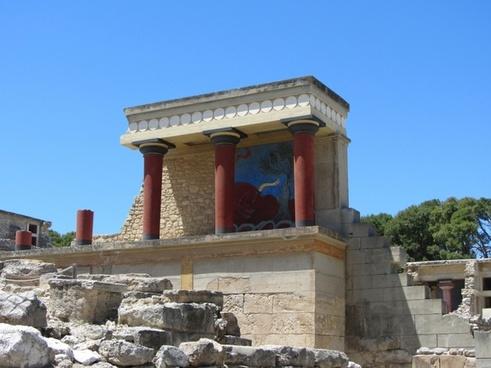 fresco bull palace of knossos