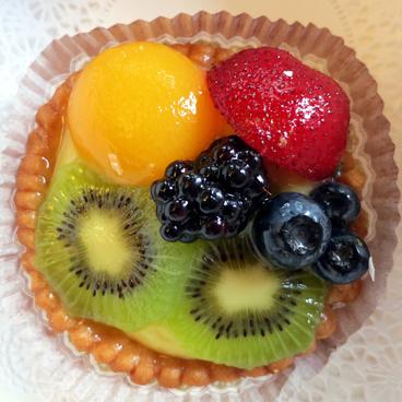fruit tart from la baguette et lechalote