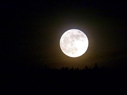 full moon planet