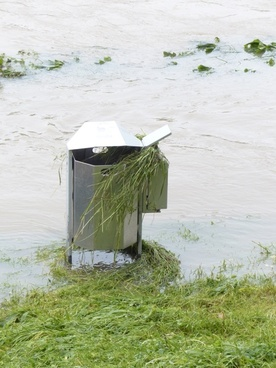 garbage can flood high water