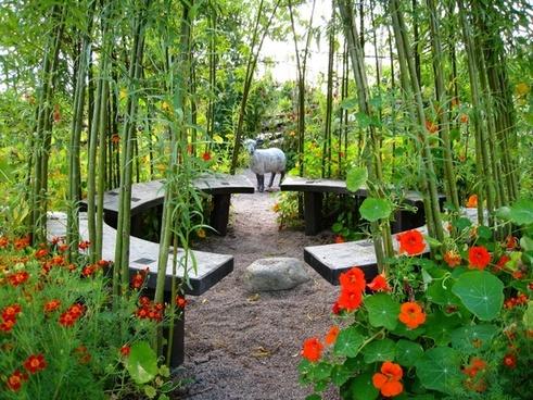 garden figure animals