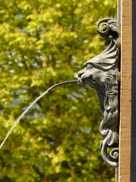 gargoyle fountain water