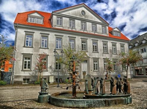 germany building sculptures