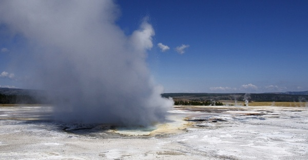 geyser yellowstone national park wyoming