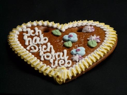 gingerbread heart gingerbread year market