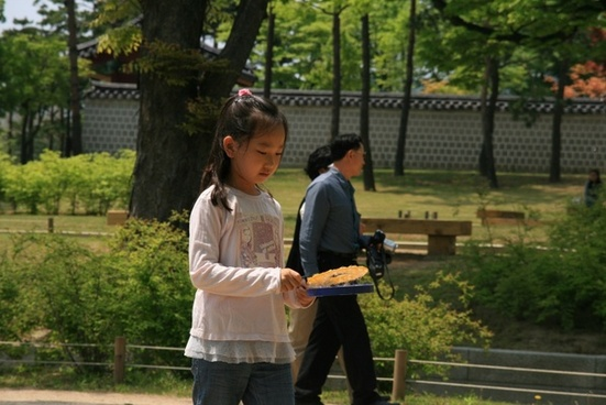 girl in a korean palace
