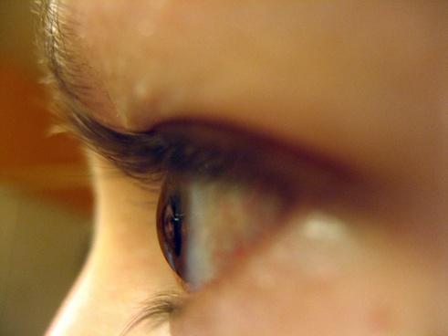 girls eyeball