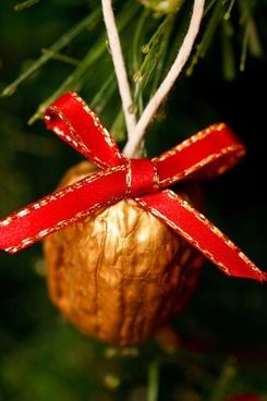 golden nut decoration