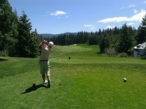 golfing golfer man