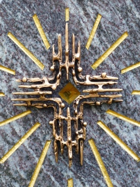 grave cross sun