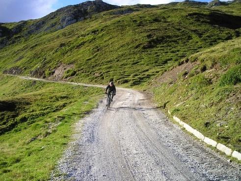 gravel road mountain bike tour