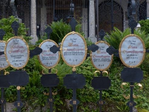 graves cemetery crosses
